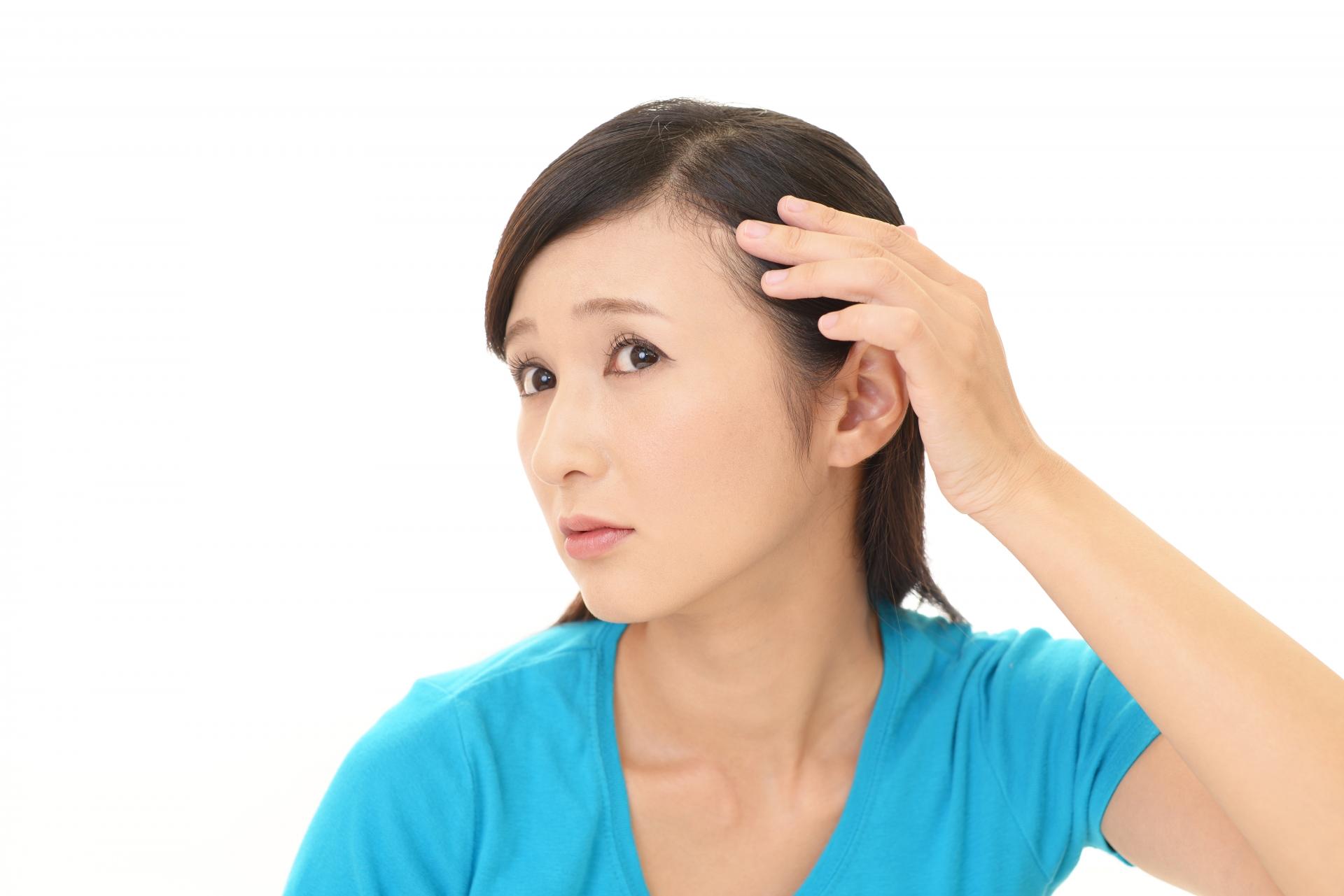 【白髪染をするたびに白髪が増える!?】40代からの白髪ケア